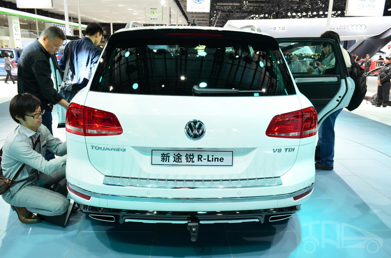 2015 VW Touareg rear at Auto China