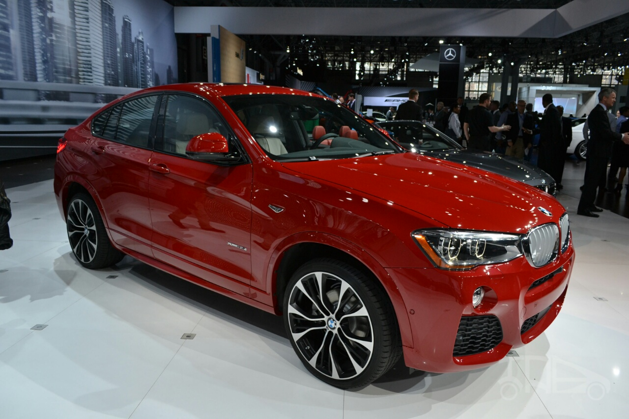 BMW X4 front three quarters at the 2014 New York Auto Show