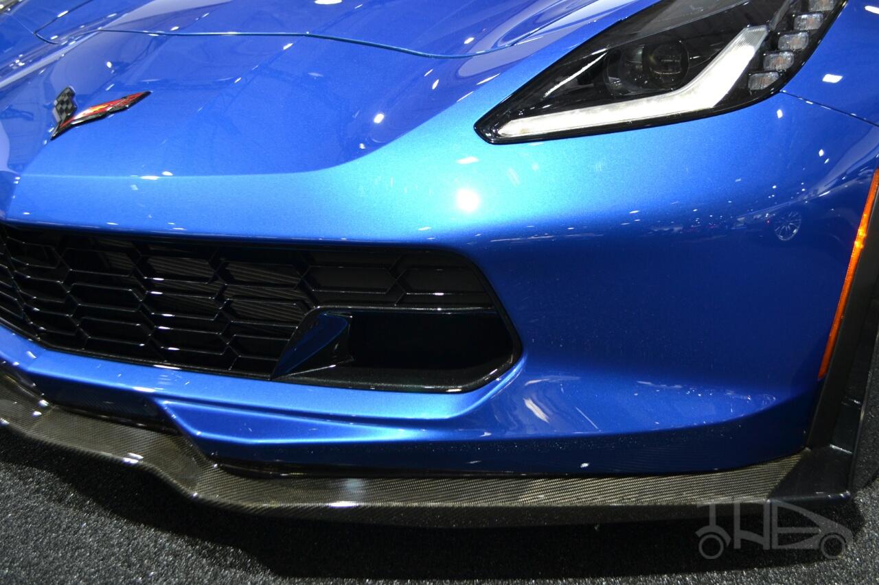 Chevrolet Corvette Z06 Convertible at 2014 New York Auto Show - front aero