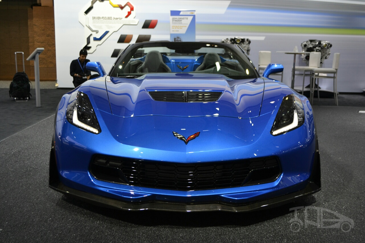 Chevrolet Corvette Z06 Convertible at 2014 New York Auto Show - front