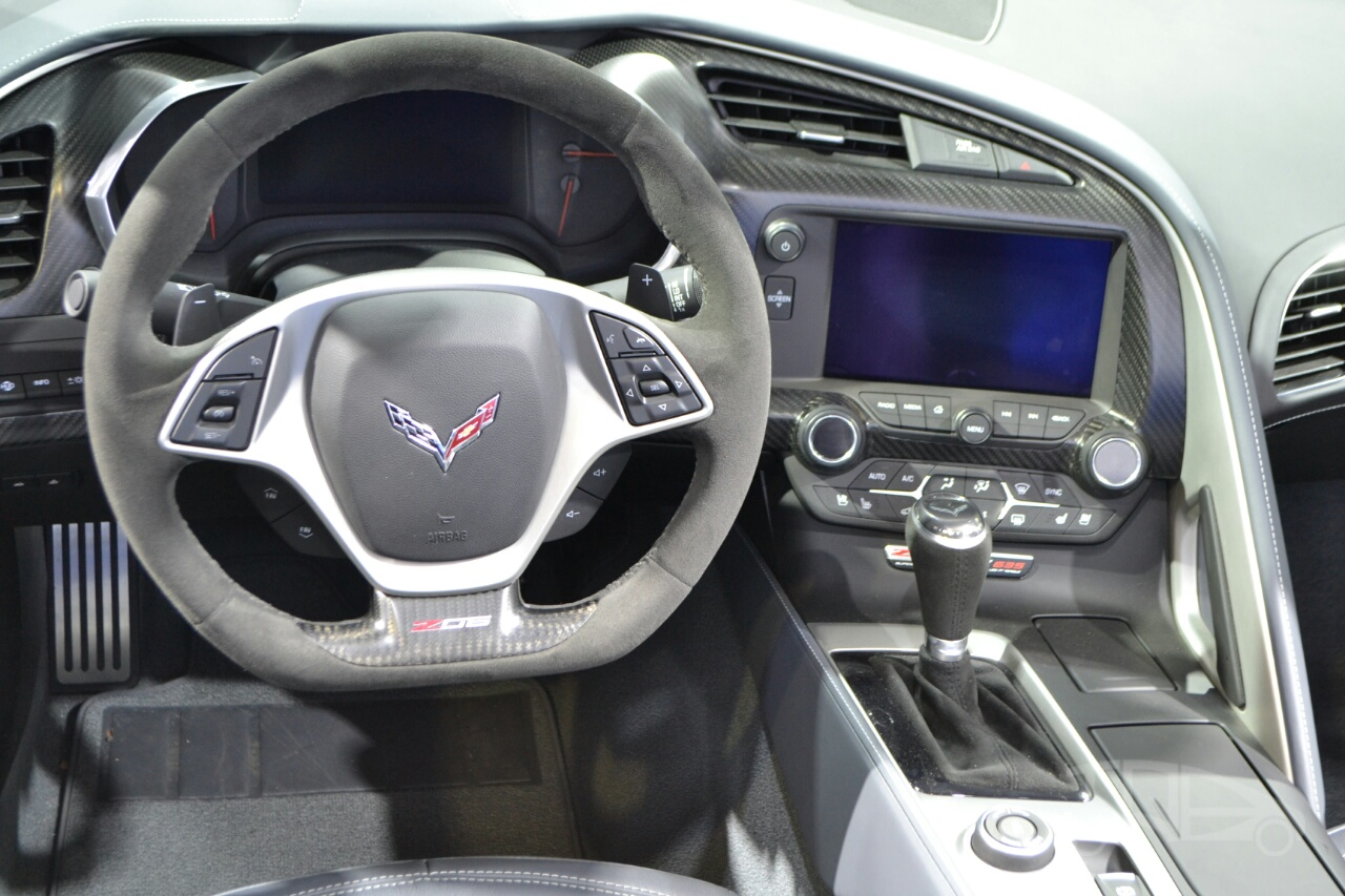 Chevrolet Corvette Z06 Convertible at 2014 New York Auto Show - steering