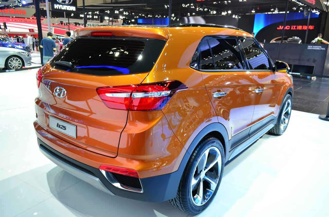 Hyundai ix25 rear three quarters at Auto China 2014