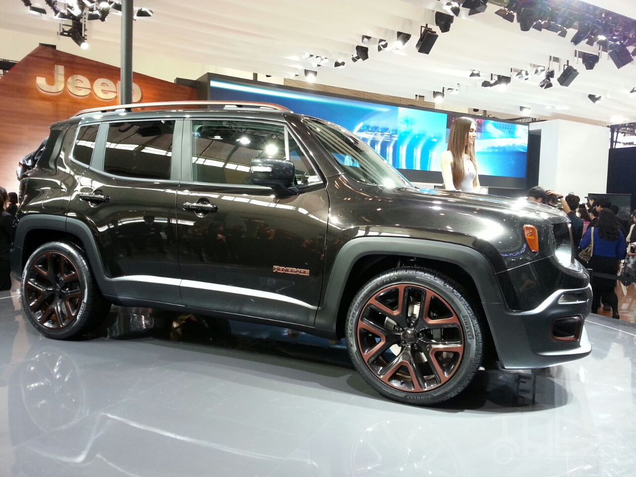 Jeep Renegade Apollo Edition at 2014 Beijing Auto Show - side
