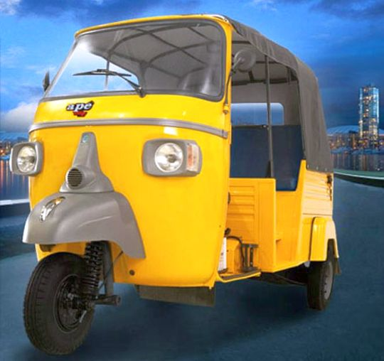 Piaggio Apé City diesel press shot