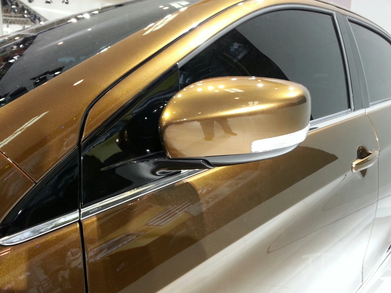 Suzuki Alivio mirror at Auto China 2014