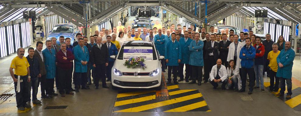 VW 1.5 millionth unit European-spec roll out Navarra - press shot