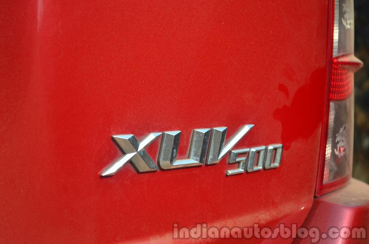 2014 Mahindra XUV500 Review badge