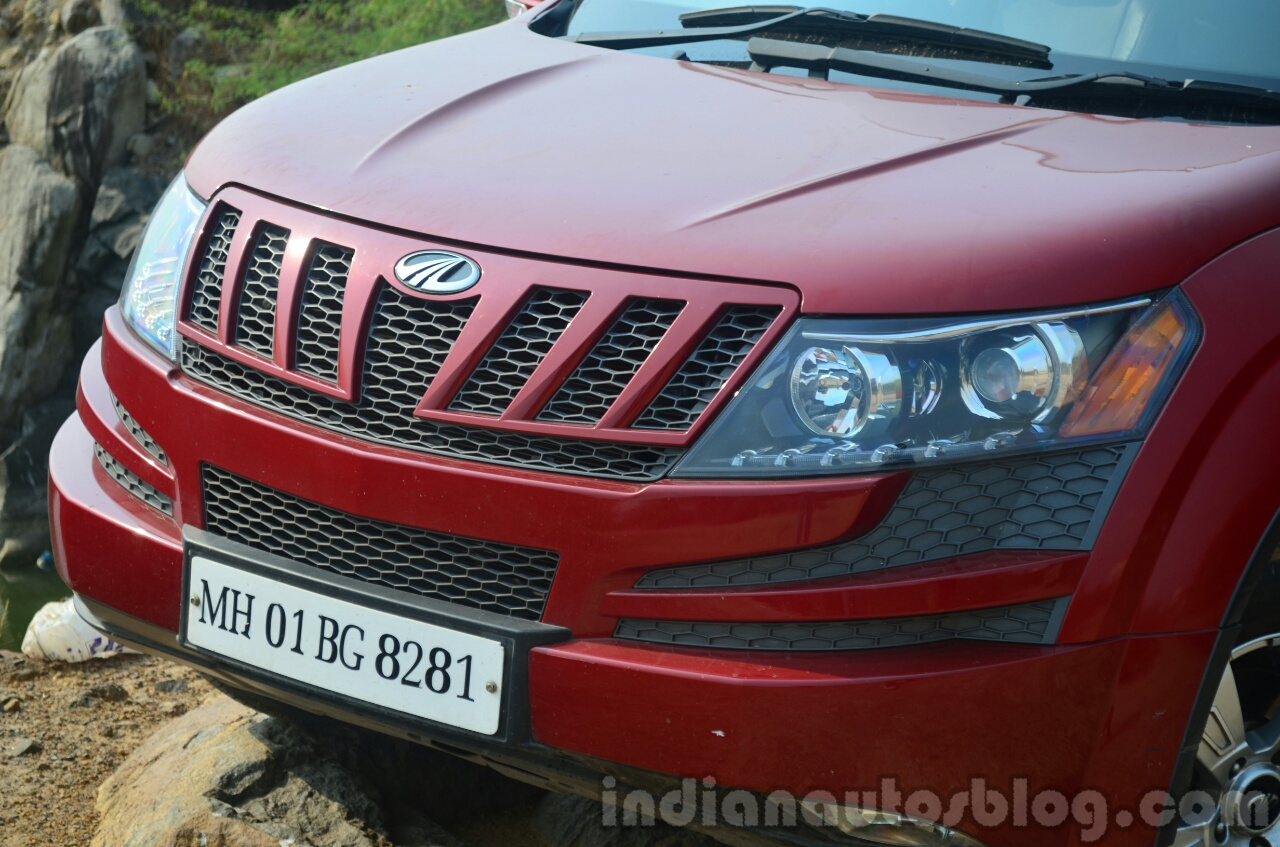 2014 Mahindra XUV500 Review grille