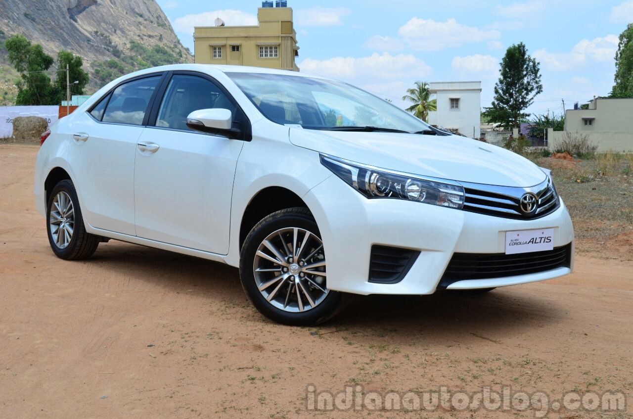2014 toyota corolla altis diesel review front three quarter. Black Bedroom Furniture Sets. Home Design Ideas