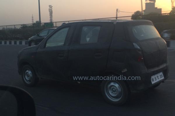Spied Maruti Alto 800 facelift rear quarter