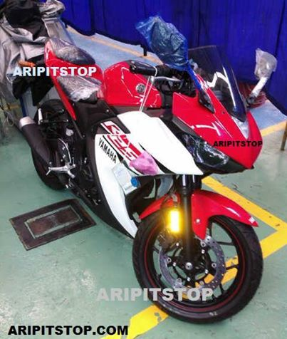 Spied Yamaha R25 production version rear front