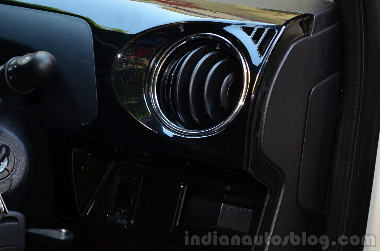 Toyota Etios Cross Review AC vents