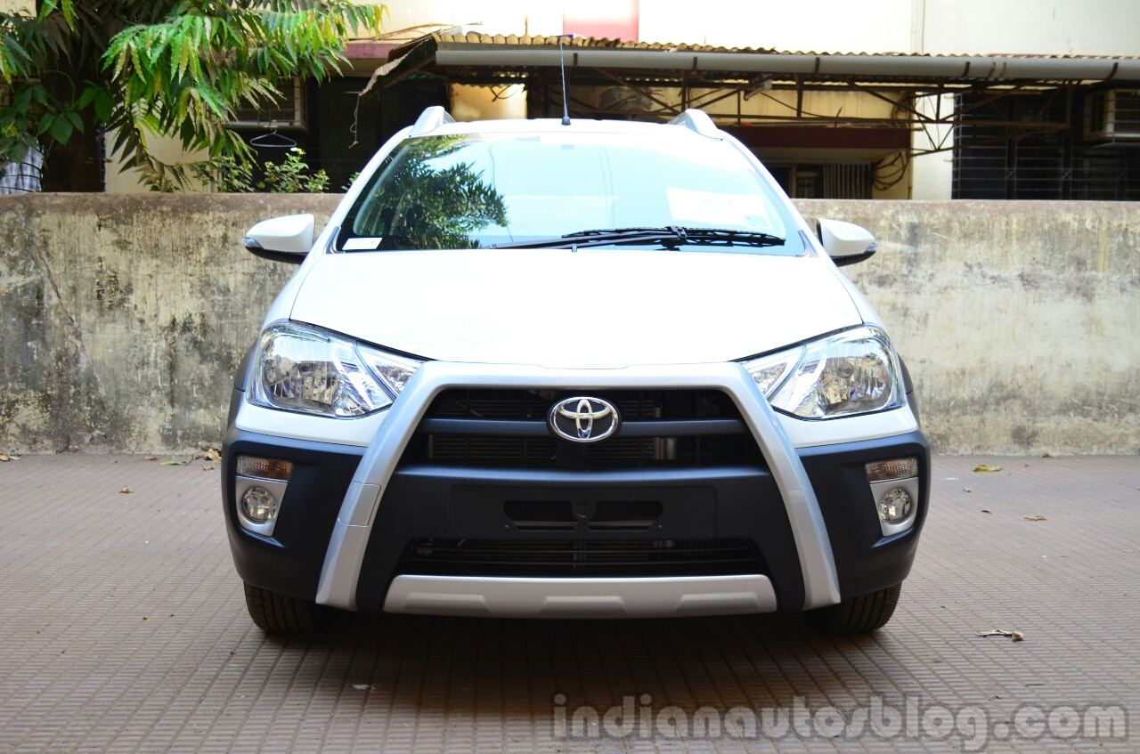 Toyota Etios Cross Review front angle
