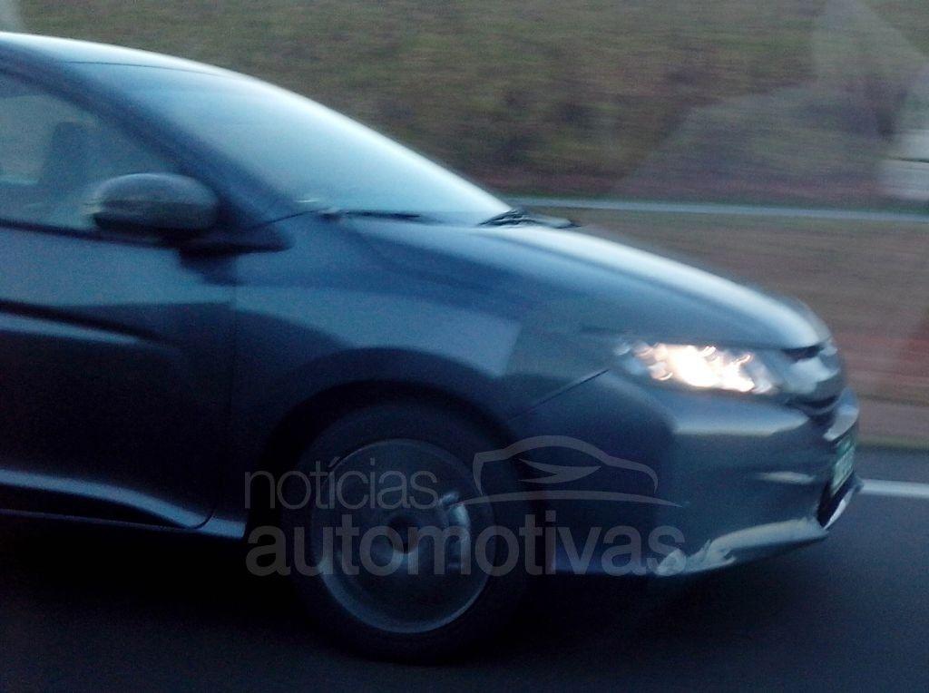2014 Honda City Flex spied Brazil front