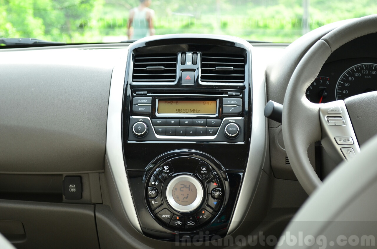 2014 Nissan Sunny facelift petrol CVT review center console image