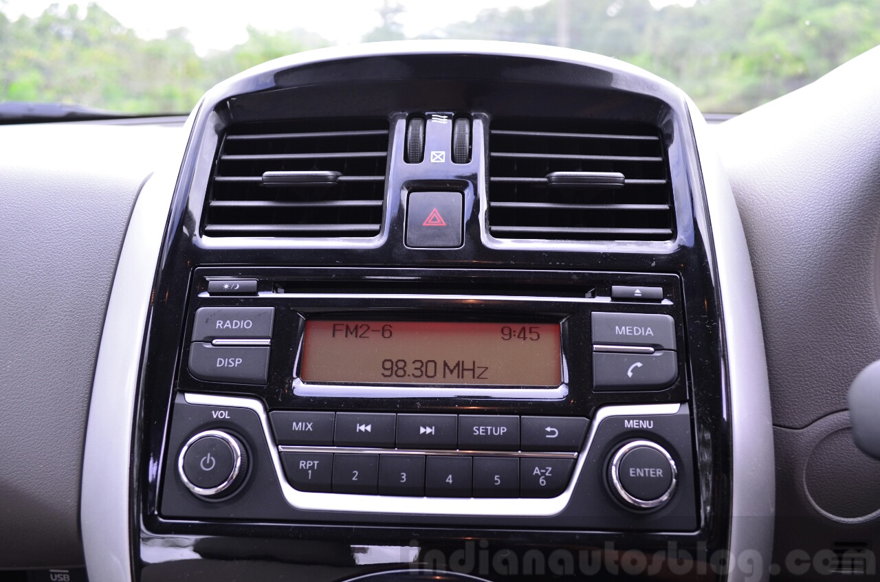 2014 Nissan Sunny facelift petrol CVT review center console