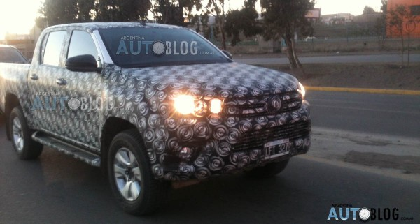 2016 Toyota Hilux spied in Argentina