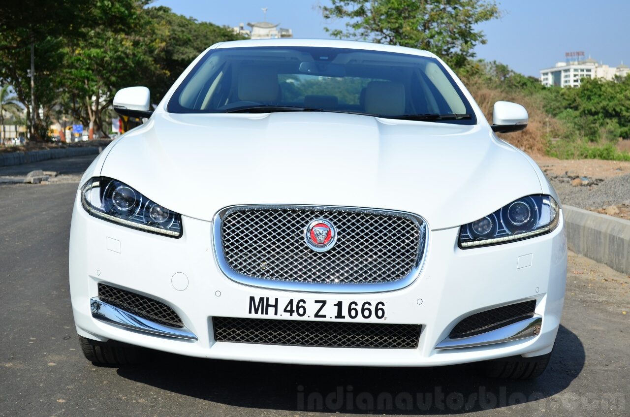 Jaguar XF 2.0L Petrol Review front