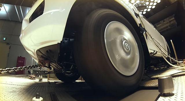 Nissan Navara wheels spinning