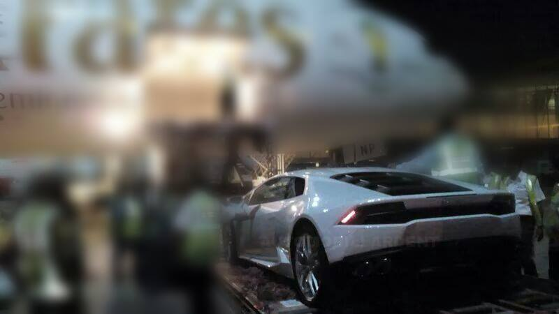 Lamborghini Huracan spied Indian airport rear