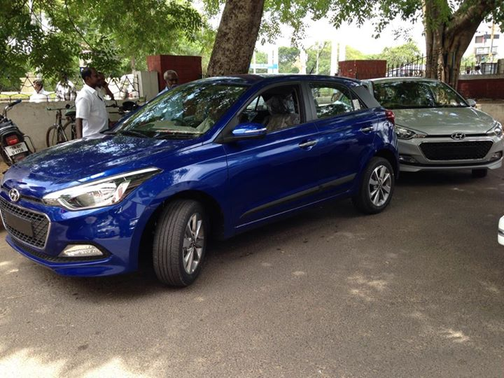 Next gen Hyundai i20 spied Blue and Silver