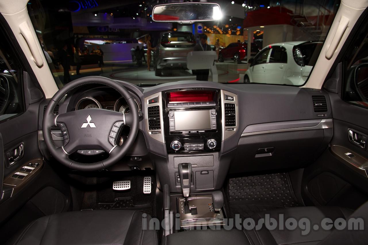 2015 Mitsubishi Pajero Facelift at the 2014 Moscow Motor ...