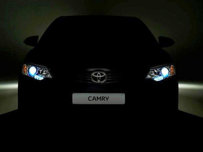 2015 Toyota Camry facelift for international markets teaser