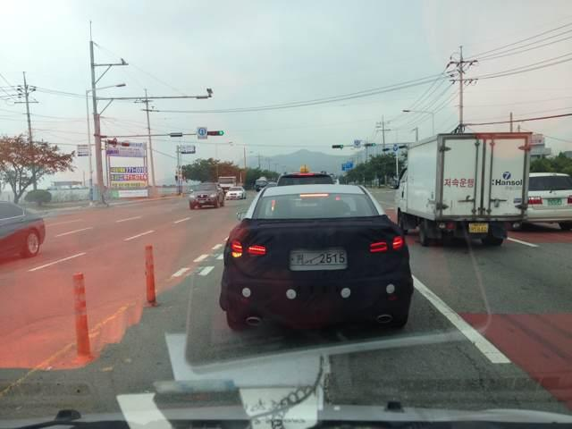 2016 Hyundai Elantra spied first time