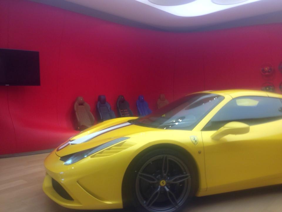 Ferrari 458 Speciale Spider spyshot front
