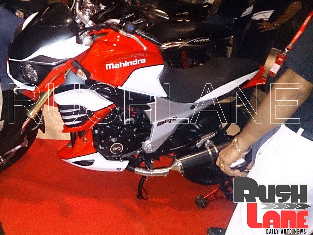 Mahindra Mojo 300 dealer preview side