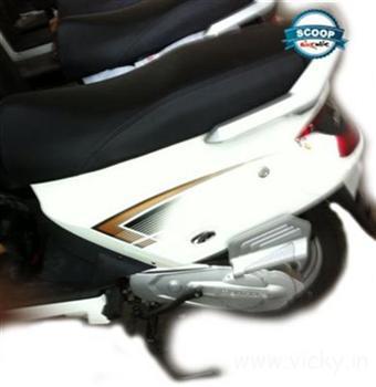 Mahindra Zesto (G101) spied white