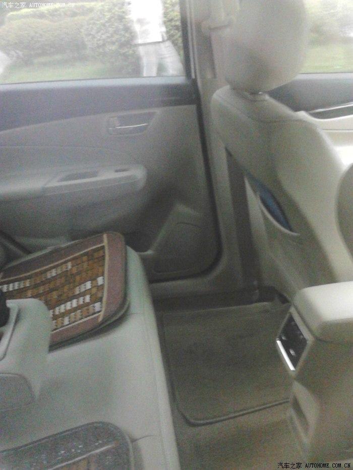 Suzuki Alivio spied production model rear legroom