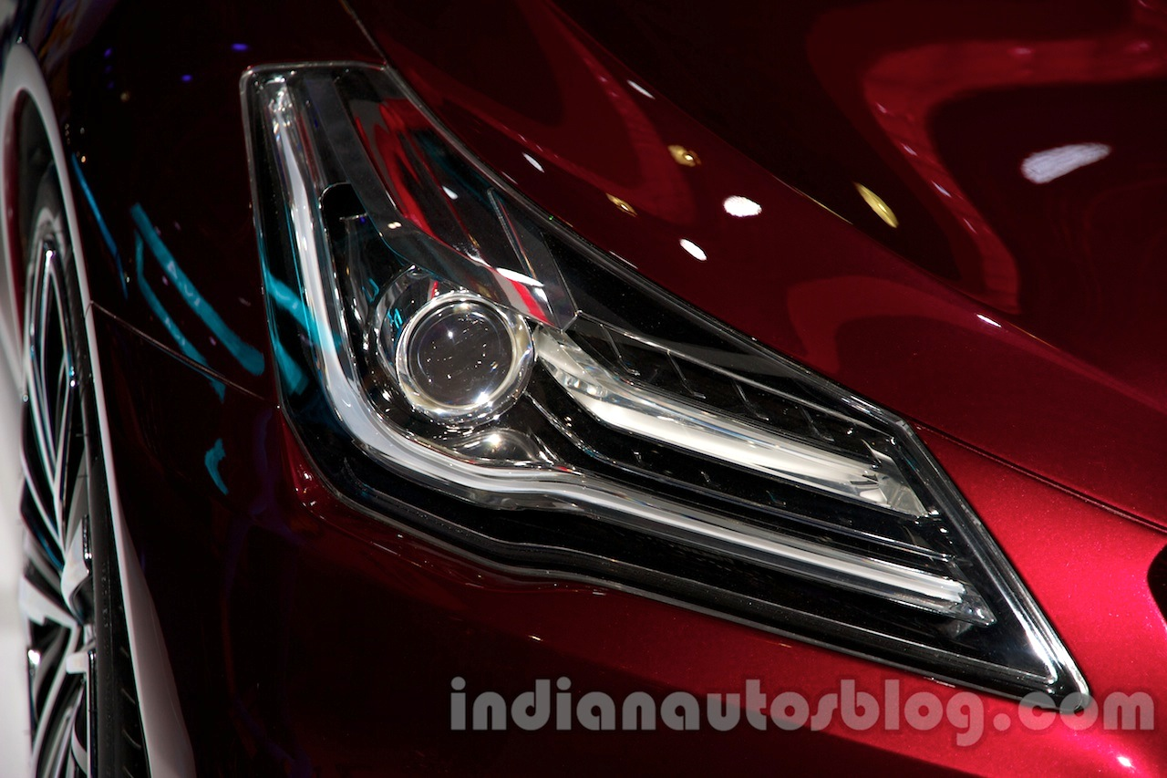 Suzuki Ciaz Concept headlamp at 2014 Moscow Motor Show