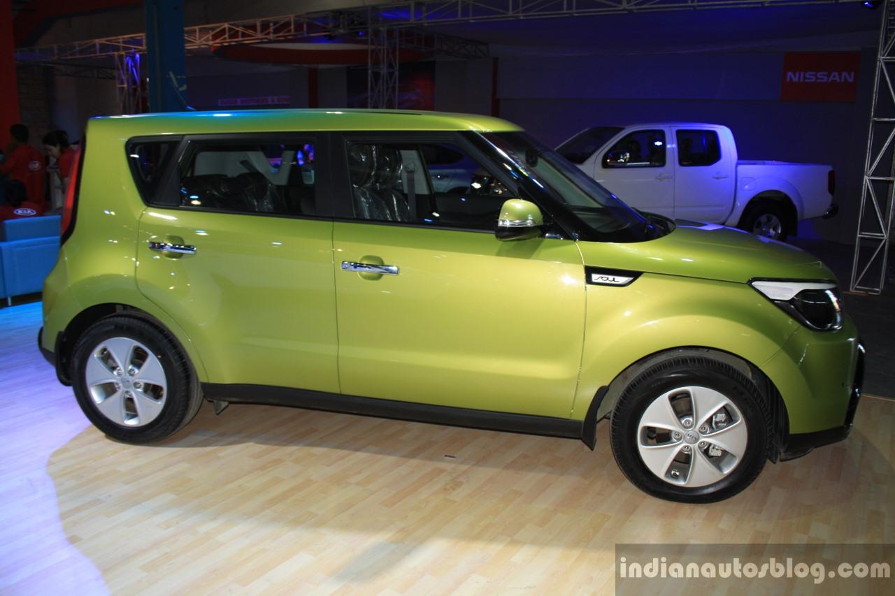 2014 Kia Soul profile at the 2014 Nepal Auto Show