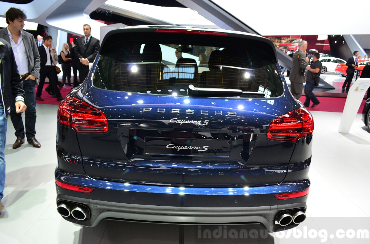 2015 Porsche Cayenne rear at the Paris Motor Show 2014