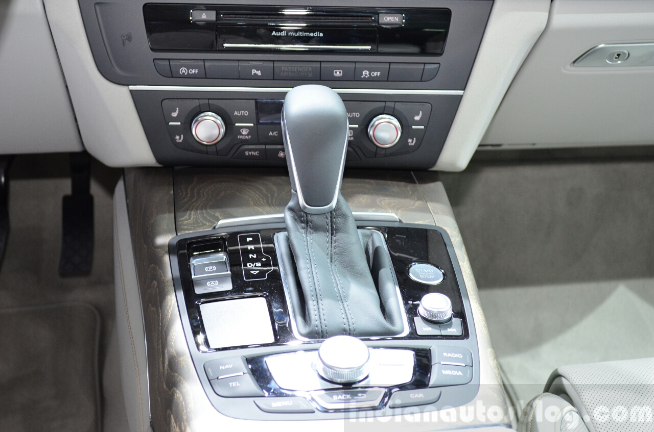 Audi A6 facelift gear selector at the 2014 Paris Motor Show