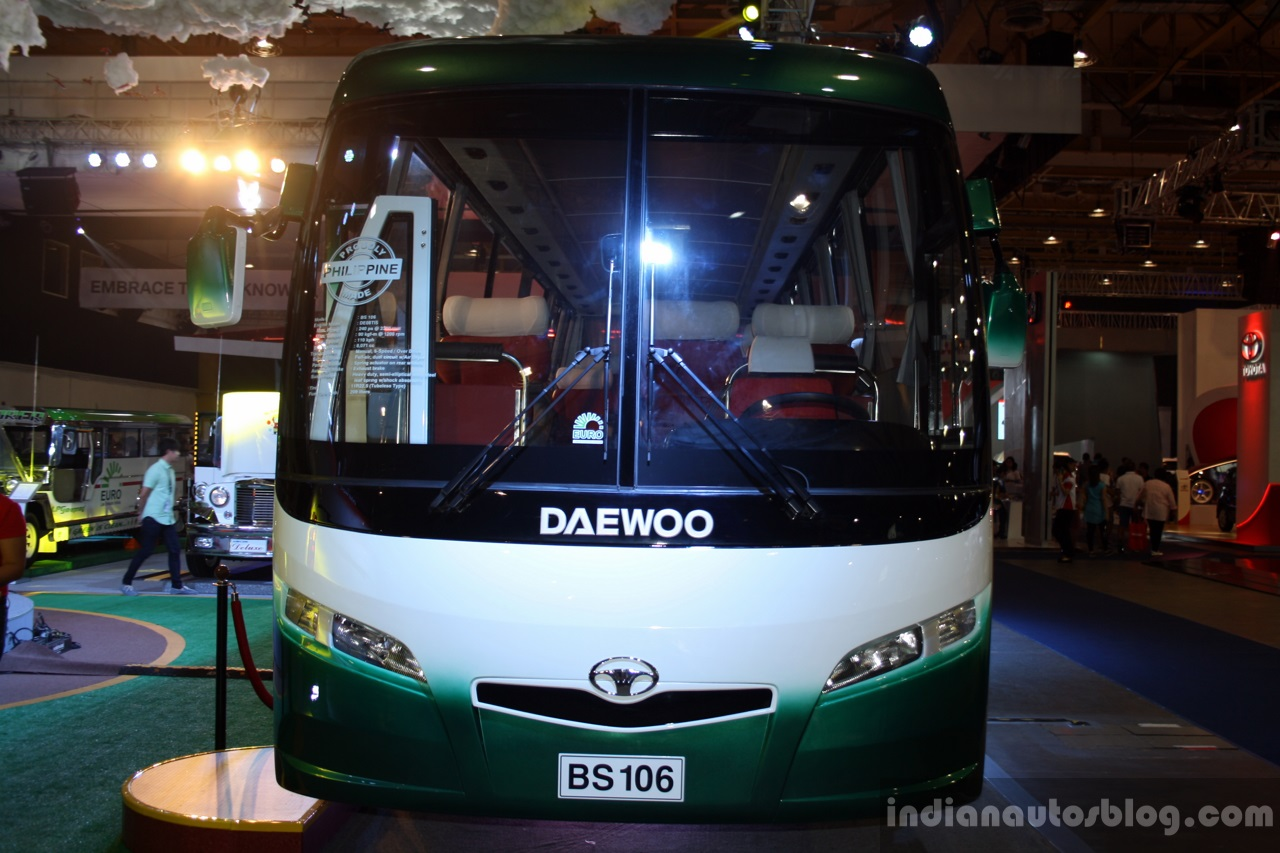 Daewoo Bus BF 106 front at the Philippines International Motor Show