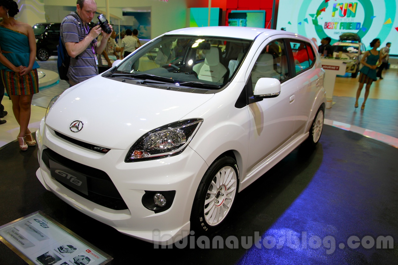 Daihatsu Ayla GT2 front three quarters at the Indonesia International Motor Show 2014