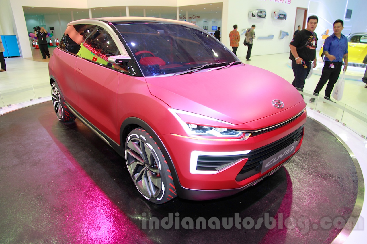Daihatsu CUV-2 Concept at the 2014 Indonesia International Motor Show front quarter