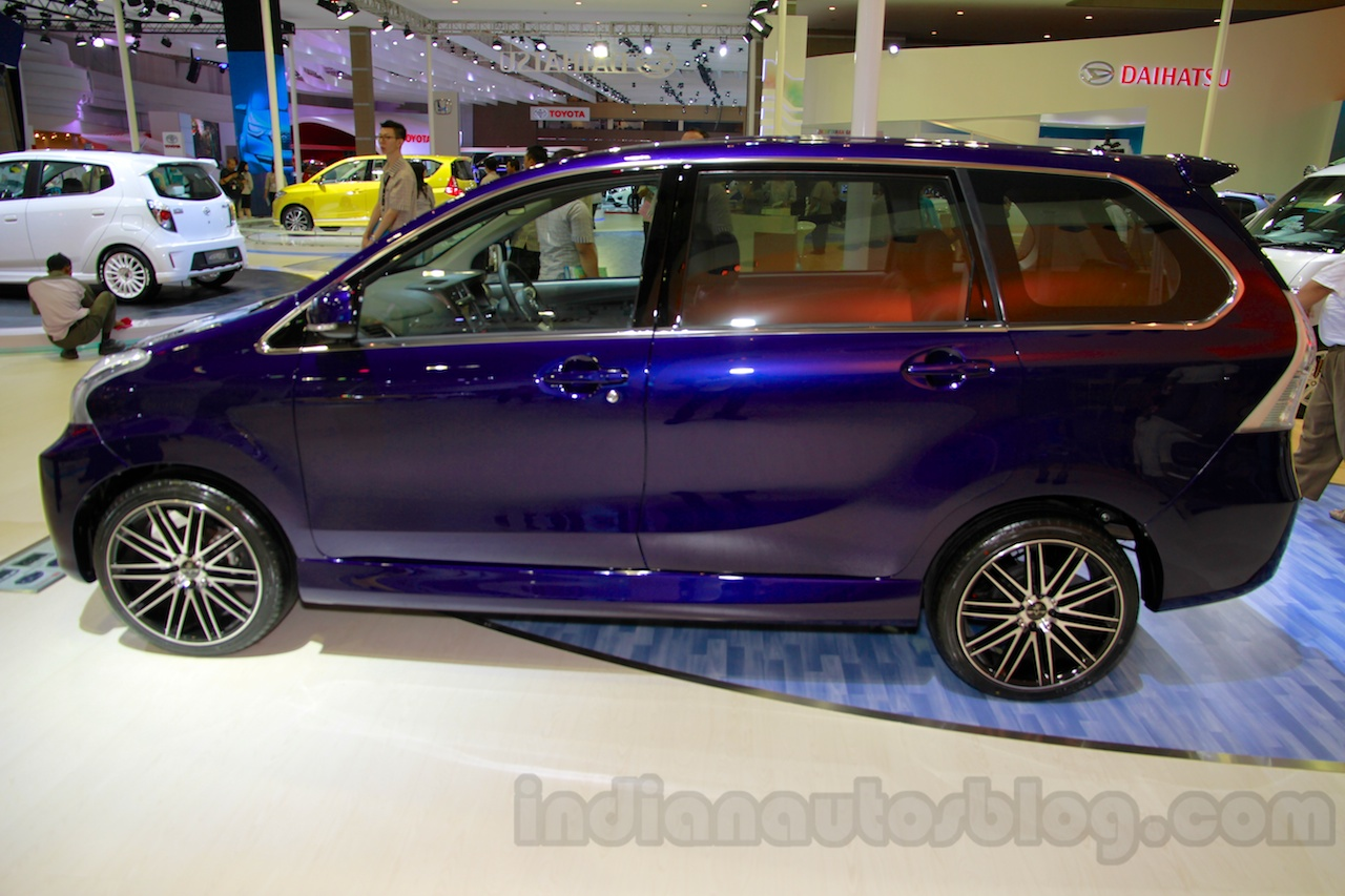 daihatsu xenia indigo iims 2014 live. Black Bedroom Furniture Sets. Home Design Ideas