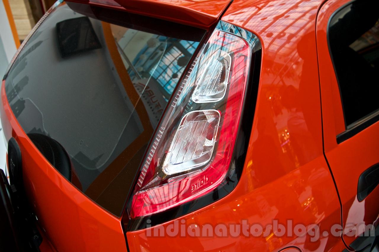 Fiat Avventura at Delhi taillight