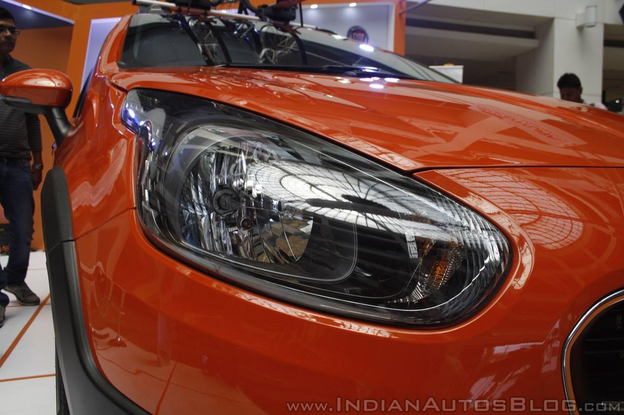 Fiat Avventura at Mumbai headlight