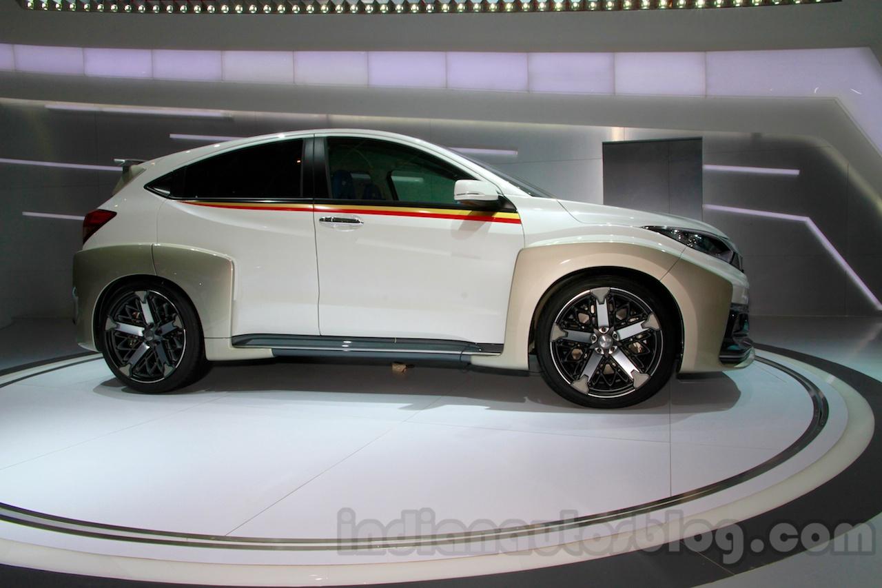 Honda HR-V Mugen Concept side view at the 2014 Indonesian International Motor Show