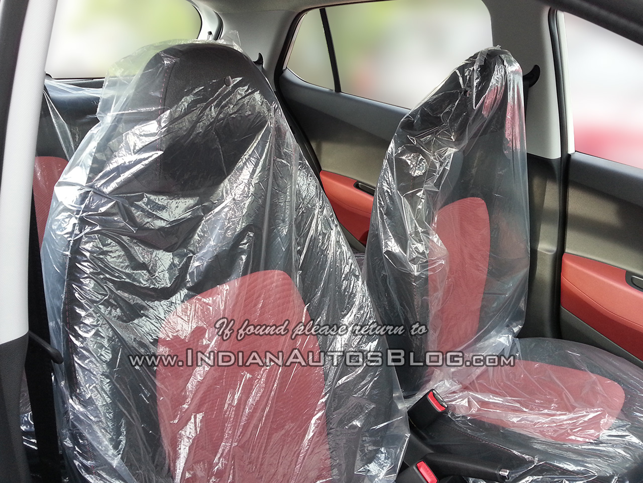 Hyundai Grand i10 SportZ edition front seats