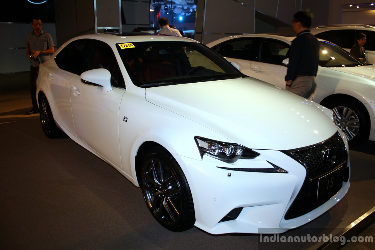 Lexus IS at Philippines International Motor Show 20014