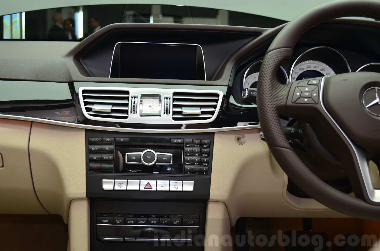 Mercedes E350 CDI launch music system