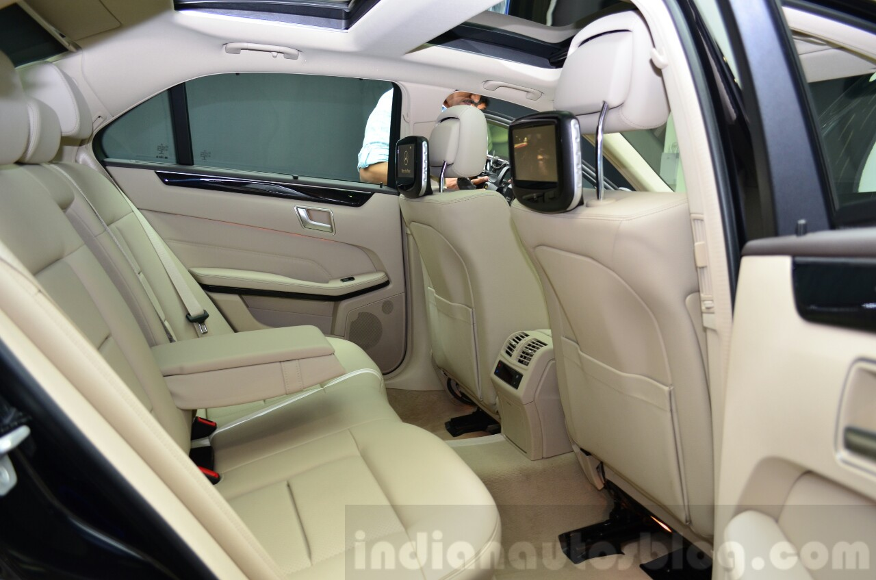 Mercedes E350 CDI launch rear legroom