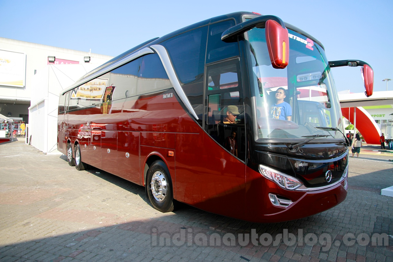 Mercedes OC 500 RF 2542 bus chassis front three quarters left at the 2014 Indonesia International Motor Show