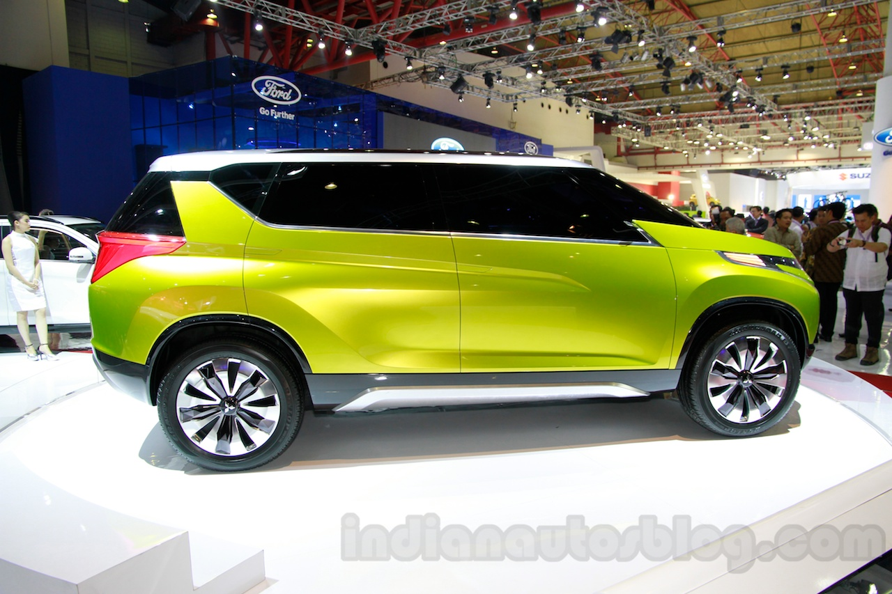 Mitsubishi Concept AR at the 2014 Indonesia International Motor Show