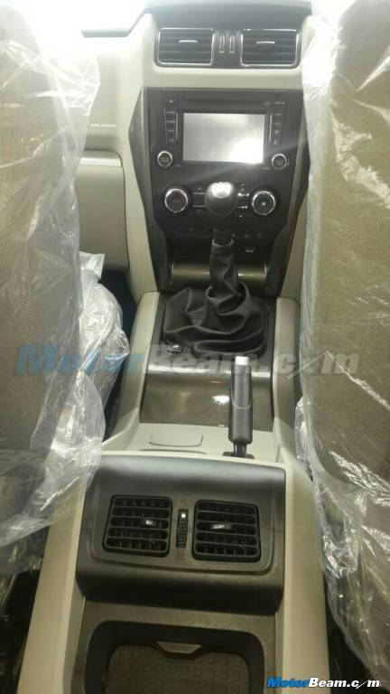 New Mahindra Scorpio spied center tunnel